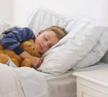 Cum să vă trimiteți copilul la culcare mai devreme